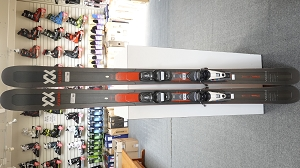 Volkl Mantra M5 184cm with Rossignol Axium 100 binding - Used Demo Skis